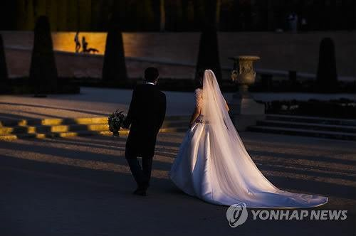 Study Shows Korean Women Only Happy in First Two Years of Marriage